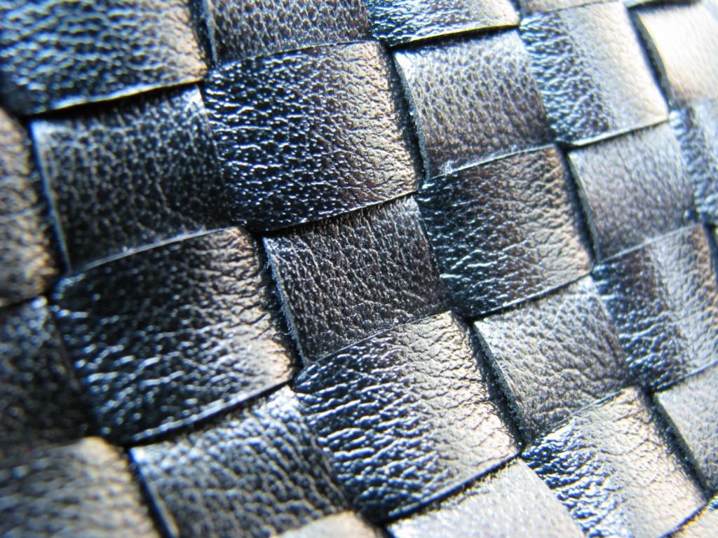 Tecidos metalizados fremplast 1024x768 - Tendência: metalizados